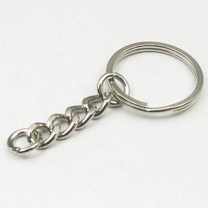 Platte sleutelring 29 mm  met ketting en koppelring